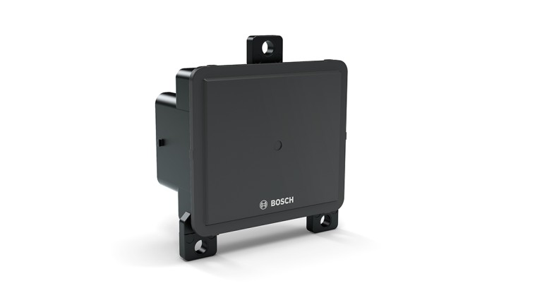 Front radar sensor for heavy commercial vehicles